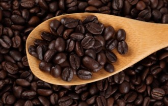 @spoons--grated-chocolate--coffee-beans--seasoning_3304983